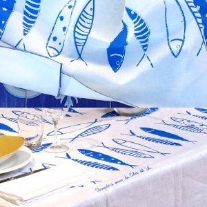 Tablecloth and runner set